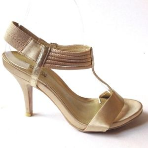 KENNETH COLE GOLD SATIN T-STRAP ANKLE SANDALS 7